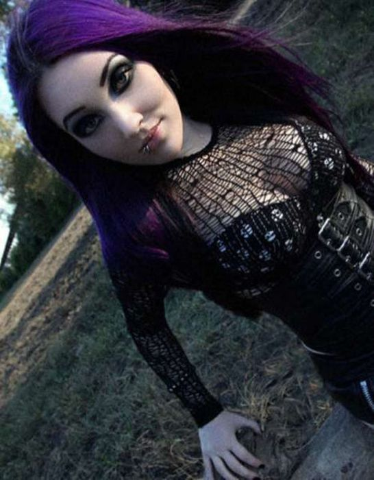 Cute Emo Girls. Part 2 (58 pics)