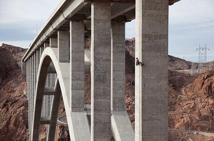 Bridge Inspectors (12 pics)