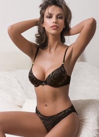 Beautiful 25-Year-Old Model (25 pics)