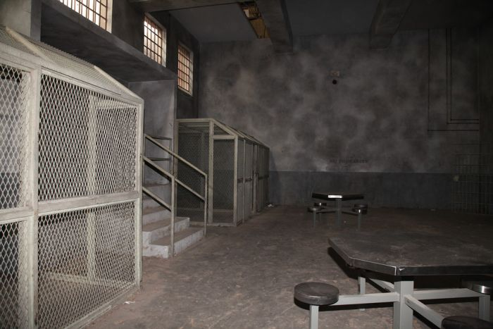 Prison Set of The Walking Dead (37 pics)