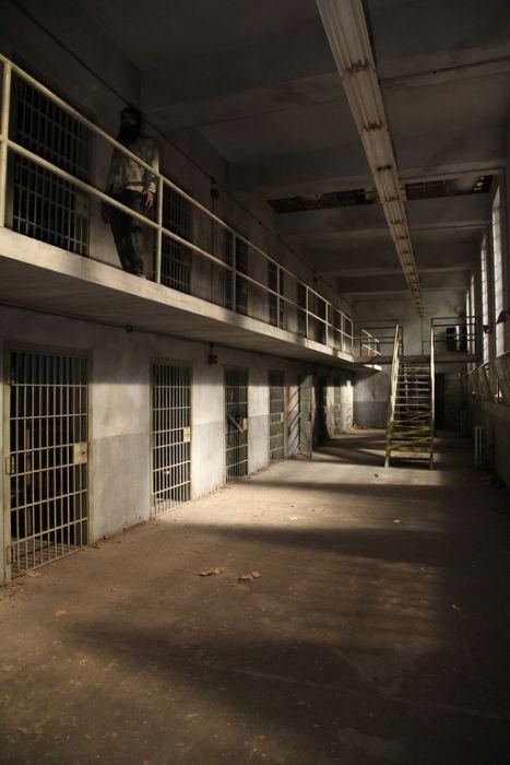 Prison Set of The Walking Dead (37 pics)