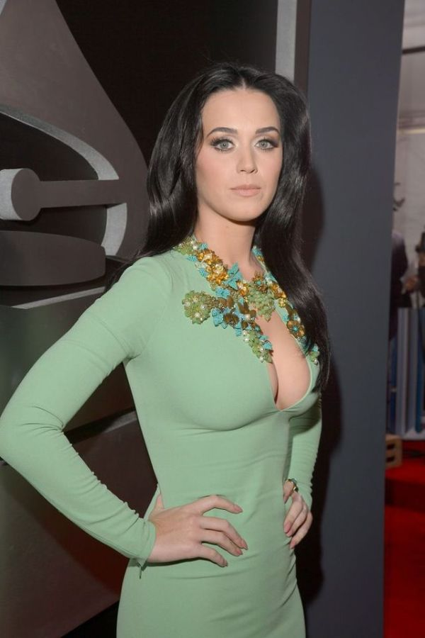 Katy Perry's Awesome Cleavage (13 pics)