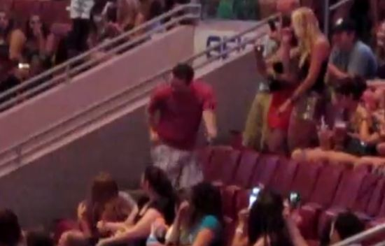 Funny Guy Dancing at Rihanna's Concert