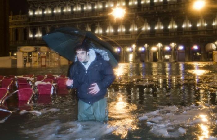 Freezing Venice (8 pics)