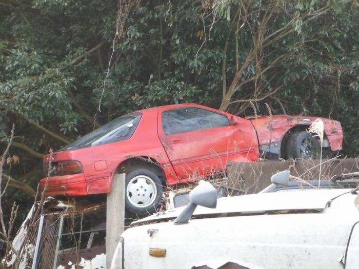 Cementerio de autos en Japón