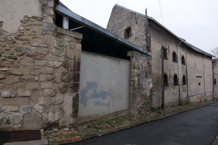 Goussainville, Abandoned Town in France (35 pics)