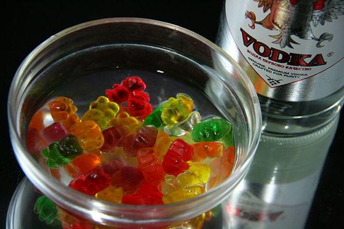 Vodka Gummy Bears (7 pics)
