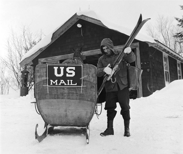United States Postal Service Then and Now (20 pics)