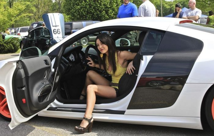 Girls and Cars. Part 2 (70 pics)