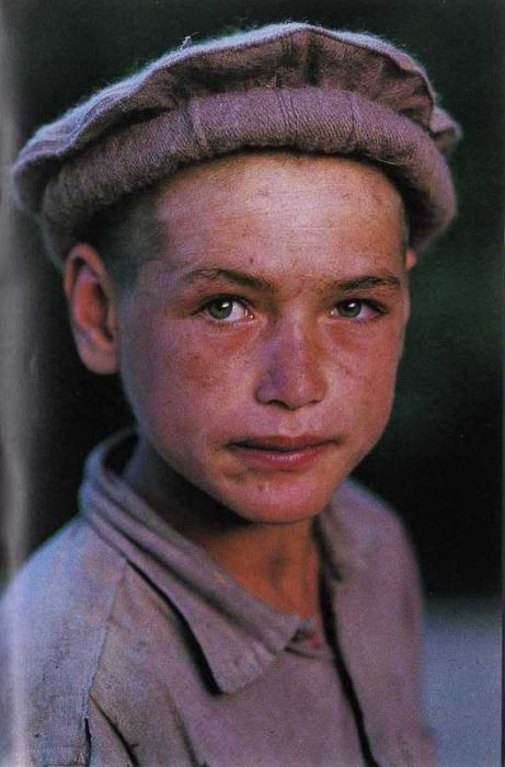 Faces of Afghanistan (28 pics)