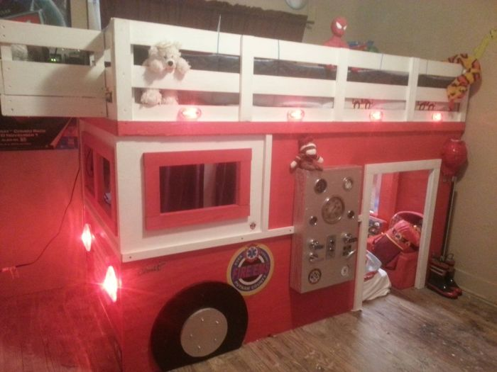 Firefigther Builds a Truck for His Son (5 pics)