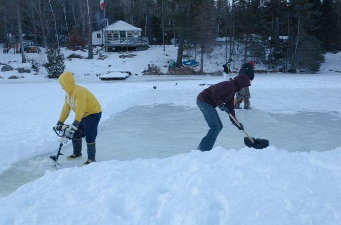 DIY Ice Rink (32 pics)