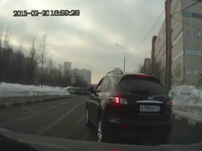 Stupid Road Rage Infiniti Driver