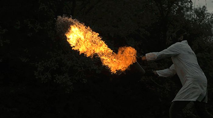 Impressive Chemical Reactions (27 gifs)