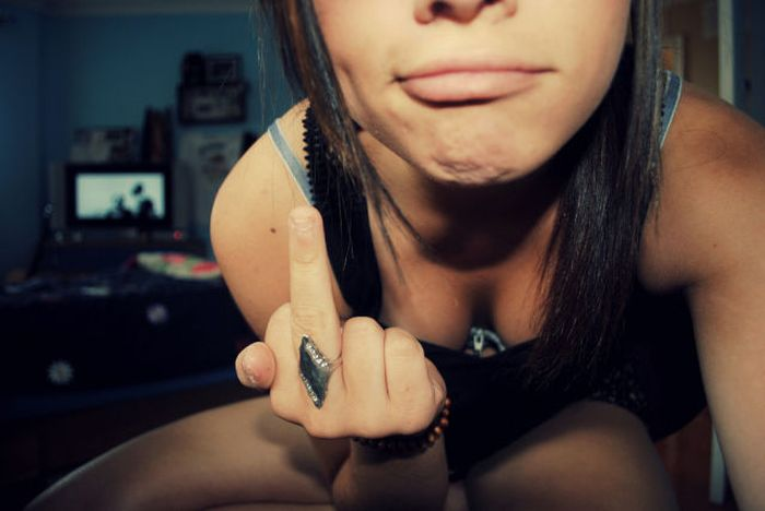 Show Your Middle Finger (40 pics)