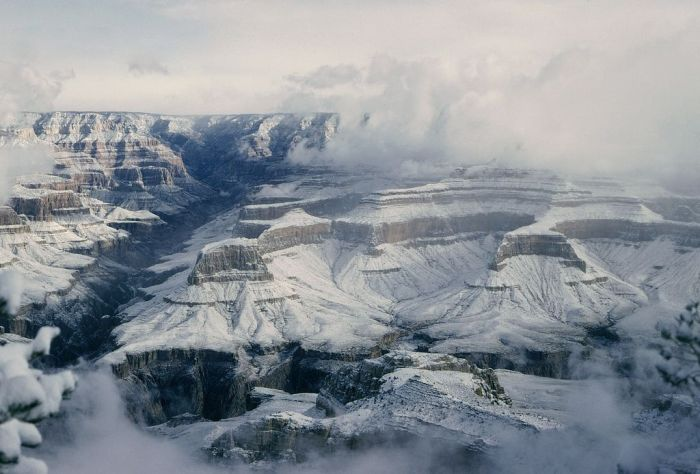 Grand Canyon Covered with Snow (8 pics)