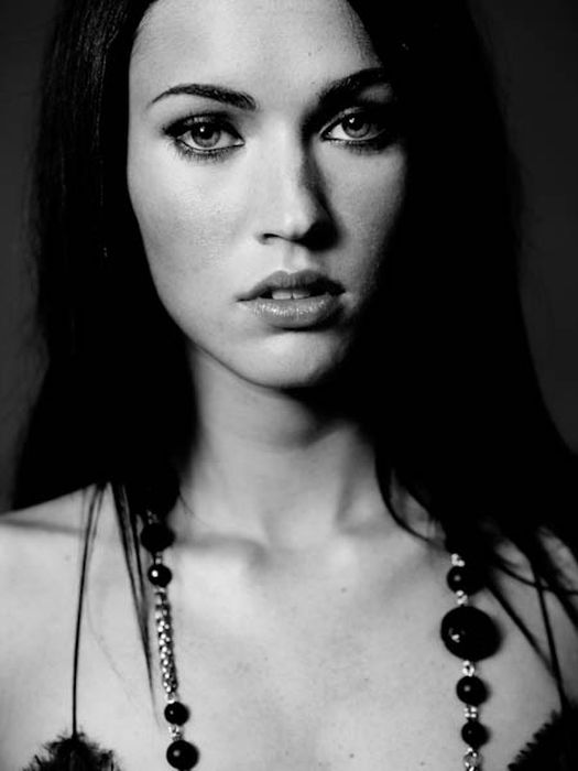 Photo Tribute to Megan Fox (76 pics)