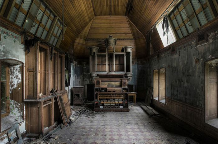 Beautiful Abandoned Places (40 pics)