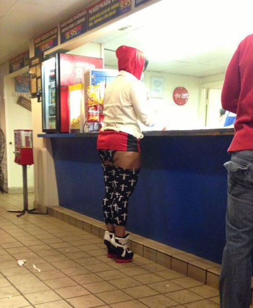 Wardrobe Malfunctions and Funny Clothes (35 pics)