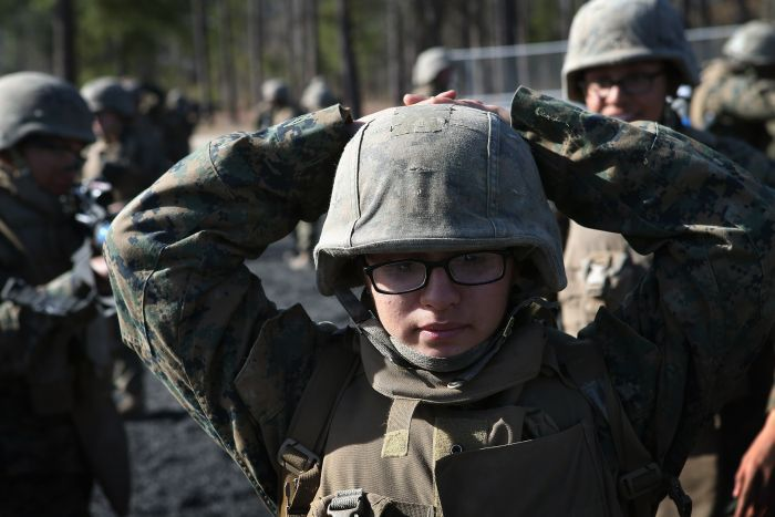 Female Marines (30 pics)
