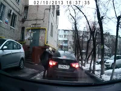 Taxi Cab Stealing Girl's Bag