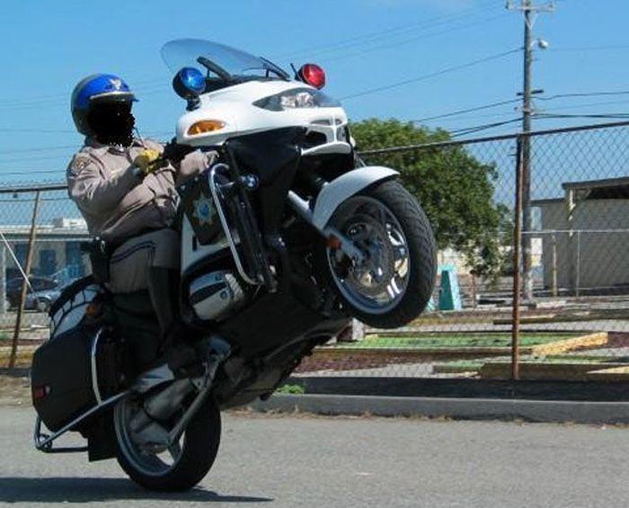 Cool Cops (36 pics)