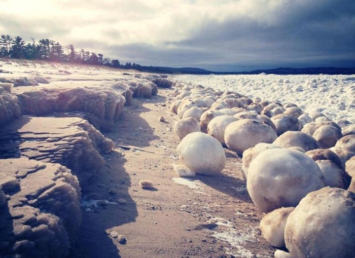Ice Balls near Sleeping Bear Dunes (3 pics)