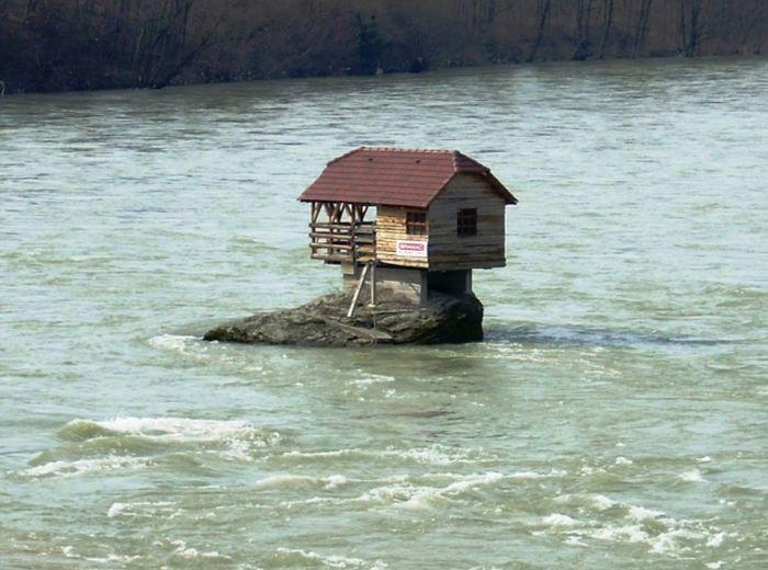 River House (9 pics)