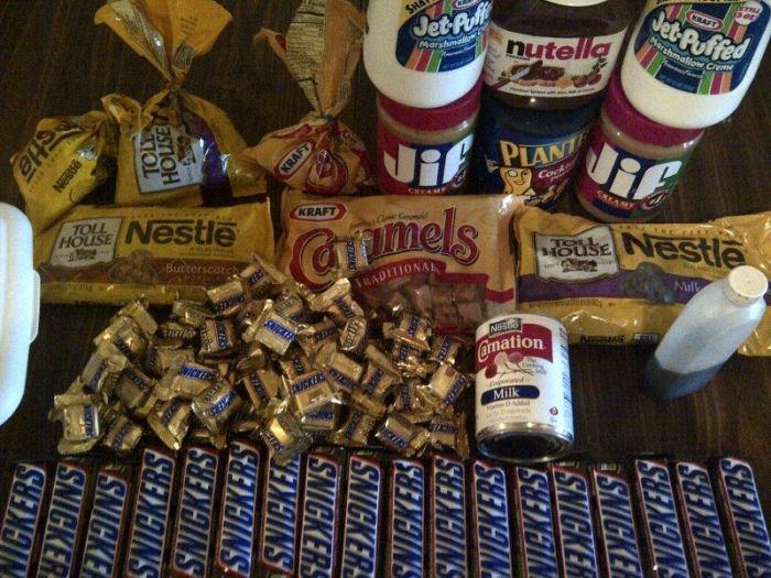 Massive Snickers (16 pics)