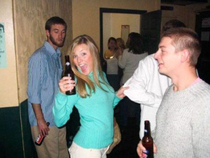 Men Caught Staring. Part 4 (40 pics)