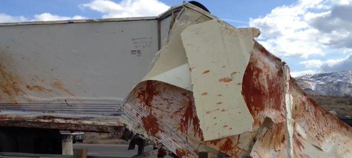 Ketchup Truck Crash (3 pics)