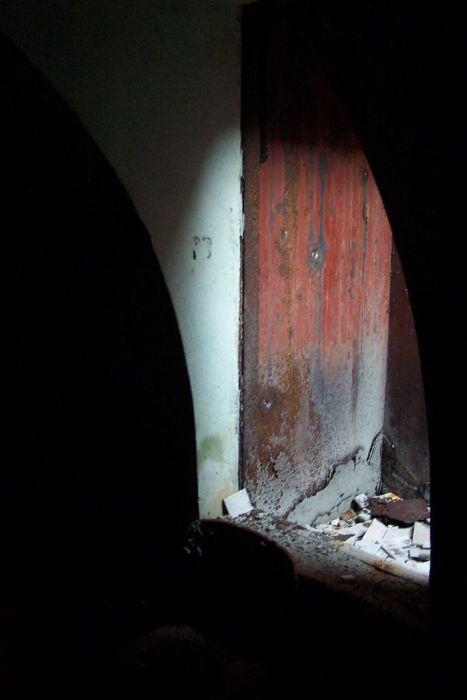 House with a Secret (13 pics)