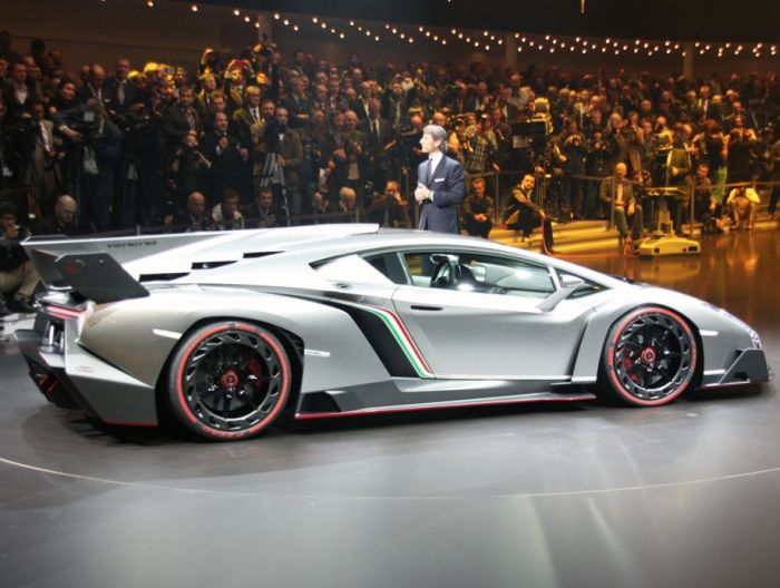New Lamborghini Veneno (21 pics + video)