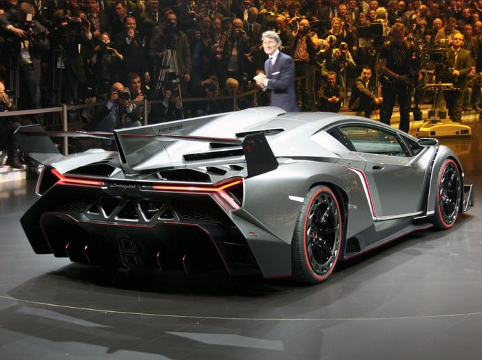 Lamborgini Veneno - Back view