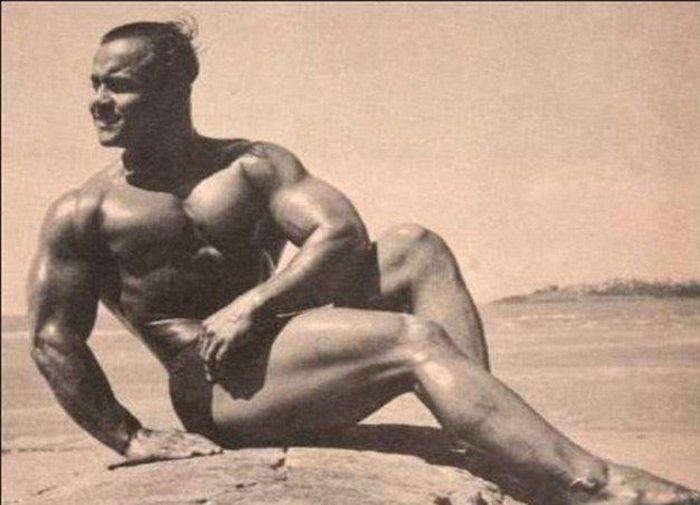 Monohar Aich, Mr. Universe 1952 (7 pics)