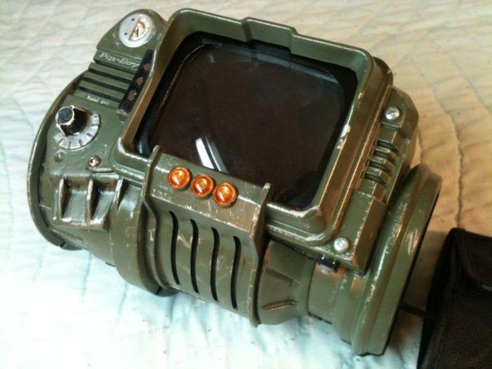 Pip-Boy Replica (7 pics)
