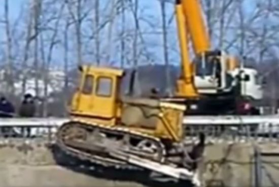 Transporting Bulldozer Gone Wrong