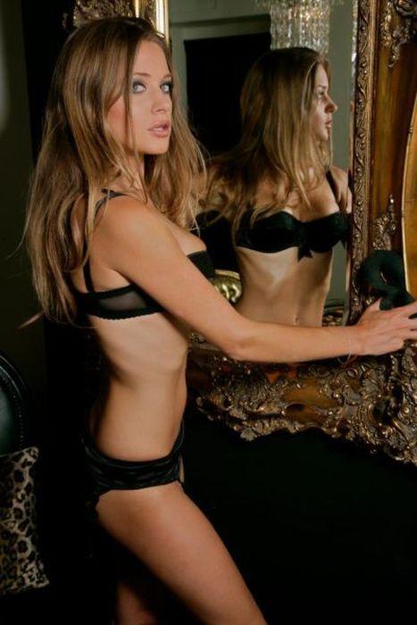 Beautiful Female Pick Up Coach Kezia Noble (42 pics)