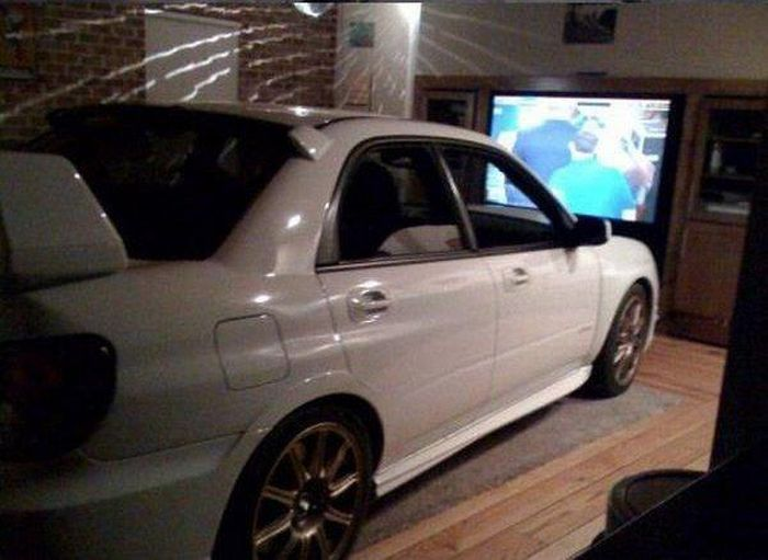 DIY Drive-in Theater (3 pics)