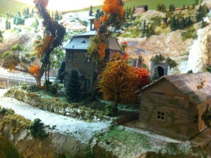 Town Model (18 pics)