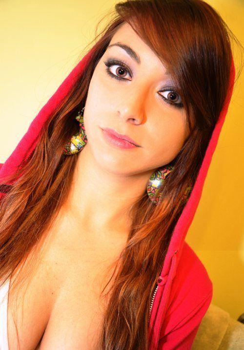beautiful_busty_girls_59.jpg