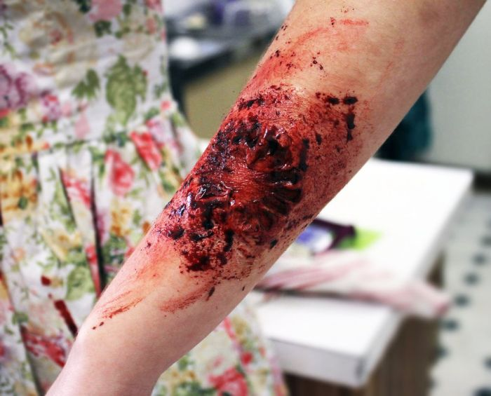 Scary Oz Comic-Con Zombie Makeup (10 pics)