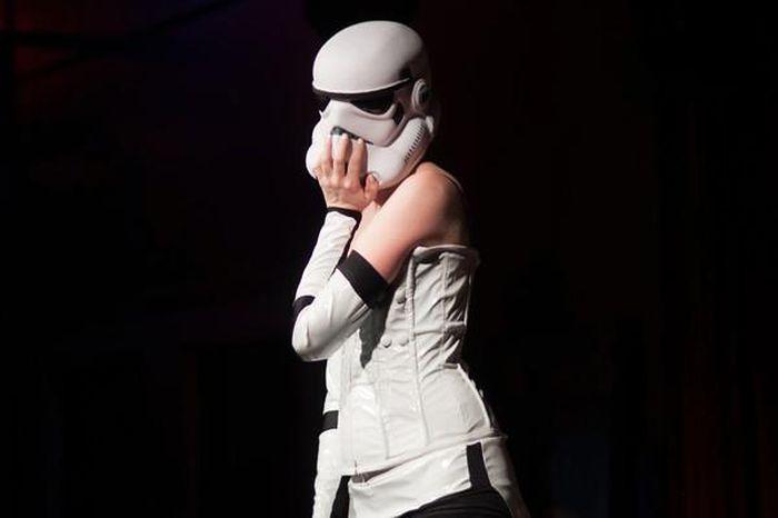 Stormtrooper Burlesque (29 pics)