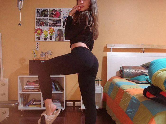 Girls in Yoga Pants. Part 2 (111 pics)