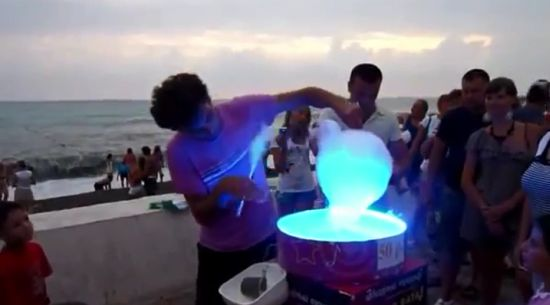 Awesome Russian Way to Make Cotton Candy Like a Boss