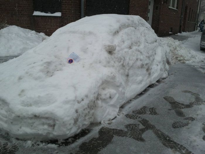 Parking Ticket for a Snowman's Car (3 pics)