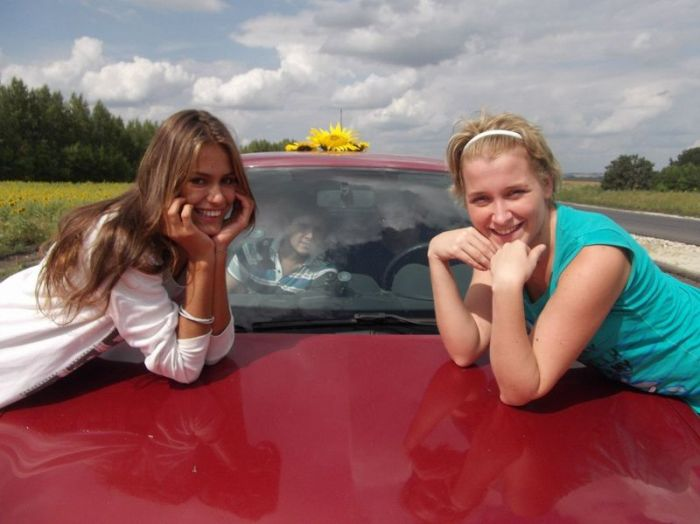 Girls and Cars. Part 3 (40 pics)