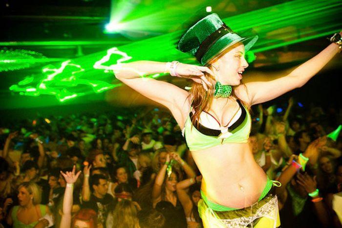 Drunken St. Patrick's Day Girls (69 pics)