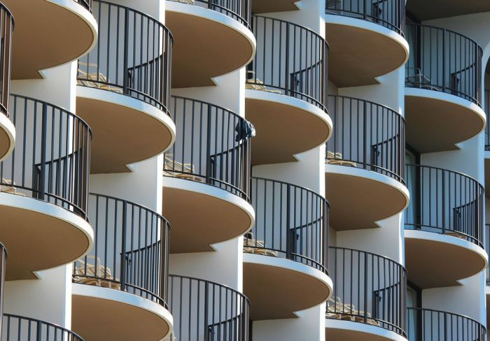 Repetitive Photos (58 pics)