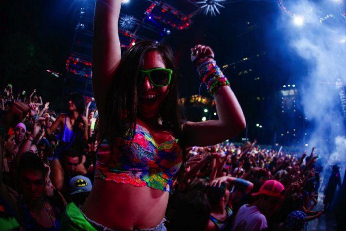 Hot Girls of Ultra Music Festival (38 pics)